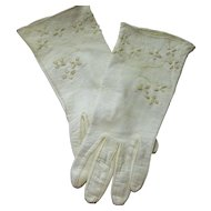 Oh So Pretty Vintage Kid Leather Ladies Fashion Gloves Size Small  Floral Stitching