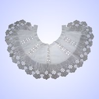 Such A Pretty Vintage Cotton Lace Collar With Flower Floral Theme Lovingly Stored
