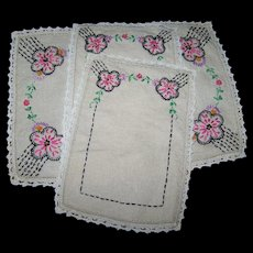 Doily Set of 3 Vintage Embroidered Flower Themed Doilies