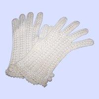 Sweet Vintage Hand Crochet Ladies Ecru Fashion Gloves