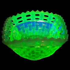 Fenton Basketweave  Canary Yellow Opalescent  Vaseline Glass Bowl Dish Glows Under UV Lite