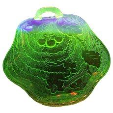 A Wonderful Indiana Charlie Green Uranium Depression Glass Nappy Dish Glows Under UV