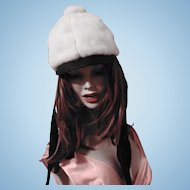 Lovely Stylish Vintage  Off White Faux Fur HAT Union Label  Made In Canada