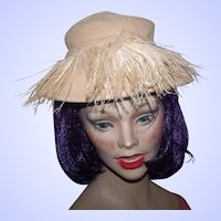 Lovely Dramatic Vintage Movie Star Style Felt Hat with Feathers