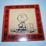 Soft Cover Booklet  Peanuts Lunch Bag Cook Book Scholastic Book Services United Features Syndicate