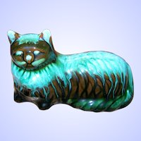 A Vintage Mid-Cewntury Blue Mountain Pottery Kitty Cat Figurine  Made in Canada BMP