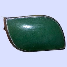 A Very Sweet Tiny  Vintage Green ONYX Gemstone Pin / Brooch