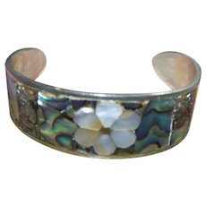 Lovely Vintage Cuff Style Abalone Shell Bracelet Floral Theme Hecho En Mexico