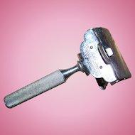 A Vintage Silver Tone GEM CUTLERY Co. NEW YORK USA   Safety Shaving Razor Takes Damaskeene Blades