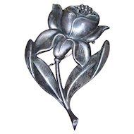 An Oh So Wonderful  Vintage Deco Style Stamped Sterling Flower Floral Pin Brooch