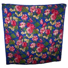 A Colorful Cheerful Vintage Club 7 Echo 100 % Wool Fringed All Over Floral Pattern Scarf