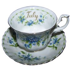 Flower of the Month Series Royal Albert England Forget-Me-Not July Tea Cup Saucer Set