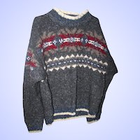 Lovely Warm Gently Used 100 % New Zealand Wool Pole to Pole Sweater Size Ladies L