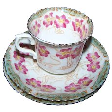 Beautiful Art Nouveau Style Floral Tea Cup & Saucers Atlas China Made in England