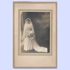 Beautiful Vintage  CDV Photograph of Lovely Bride In Her Wedding Gown  Lydiard, 159 Gottingen St., Halifax.