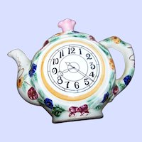 What A Fun Novelty Ceramic  Faux Tea Pot  Clock Style Wall Pocket Home Decor Accent