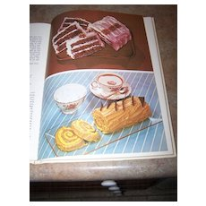 Book Step By Step Guide to Easy Icing Hamlyn C. 1972