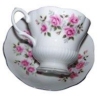 Pink Rose Floral Themed Royal Albert England Tea Cup / Teacup & Saucer Set Home Decor Accent