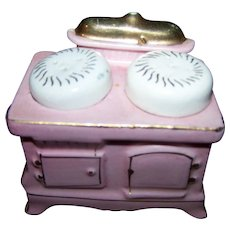 Sweet Pink Wood Burning  Stove Figural Salt & Pepper Shakers Japan