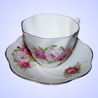 Made In England Bone China Rose Flower Theme Teacup / Tea Cup & Saucer Set