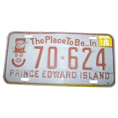 Vintage License Plate Souvenir The Place To Be In PEI Prince Edward Island 70-624