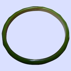 Delicate Vintage Faceted Green Bakelite Spacer Bangle Bracelet Tests Positive