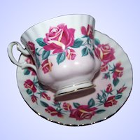 Royal Albert Rose Themed Tea Cup / Teacup Saucer Set MI England Lakeside Series Windermere