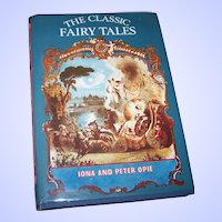 Hard Cover Children's Book The Classic Fairy Tales  Iona and Peter Opie London Oxford University Press