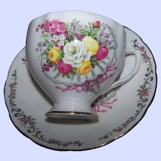 Pretty Mixed Bouquet of Flower Colclough Bone China England Teacup & Saucer