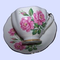 Lovley Fine China Pink Rose Floral Pattern Teacup Tea Cup Saucer Set  England