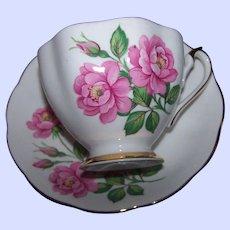 Lovley Fine China Pink Rose Floral Pattern Teacup Tea Cup Saucer Set  England