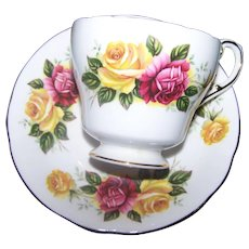By Appointment to her Majesty the Queen Paragon Fine Bone China Rose Floral Teacup & Saucer
