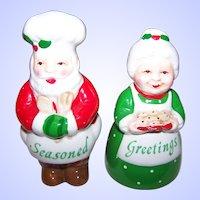 Cold Painted Figural Christmas Santa Claus & Mrs. Santa Salt & Pepper Spice Shakers Seasoned Greetings