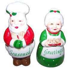 Cold Painted Figural Christmas Santa Claus & Mrs. Santa Salt & Pepper Spice Shakers Seasoned Greetings