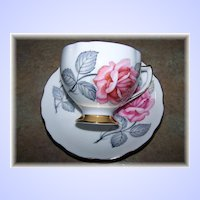 A Vintage Pink Rose Floral Motif Tea Cup & Saucer  Royal Vale England