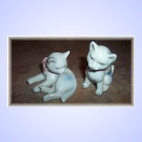 Sweet Vintage Ceramic Kitty Cat Figurines With Pink Bows