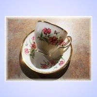 Pretty Vintage Bone China Tea Cup & Saucer Floral Motif Windsor