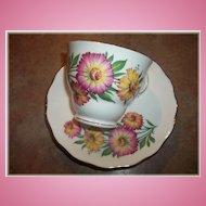 A Pretty Vintage Royal Vale Tea Cup & Saucer Floral Motif