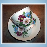 Unusual Vintage Floral Motif Tea Cup & Saucer Set Royal Vale