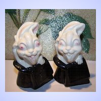 Novelty Demented Magic Show  Googly Eyed Bunny Rabbit Shakers Japan
