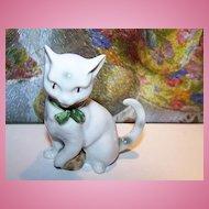 Oh So Sweet ! Deco Era Porcelain Kitty Cat Paw On Ball Figurine