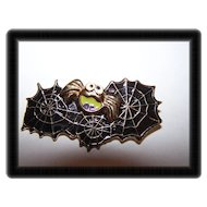 BOO A Creepy Spider &  SpiderWeb  Web Halloween Brooch / Pin
