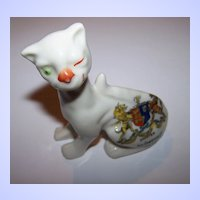 A Charming The Cheshire Cat Always Smiling Crested China Figurine  Chester ( Alice In Wonderland )