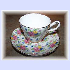 Pretty Mixed Floral Chintz Demi - Tasse Grosvenor Bone China