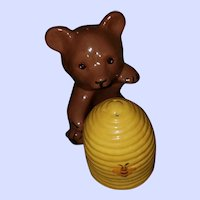 Hand Painted Ceramic Bear Honey Bee Hive Salt Pepper Shakers
