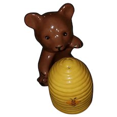 Hand Painted Ceramic Bear Honey Bee Hive Salt Pepper Shakers