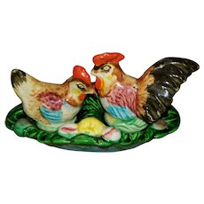 Colorful Majolica Style Hen Rooster Salt Pepper Tray Set
