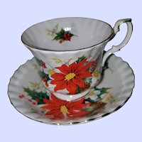 Royal Albert Bone China Tea Cup Saucer England Yuletide