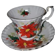 Royal Albert Bone China Tea Cup Saucer England Yuletide