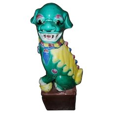 Vintage  Chinese Porcelain Foo Dog Statue Figurine